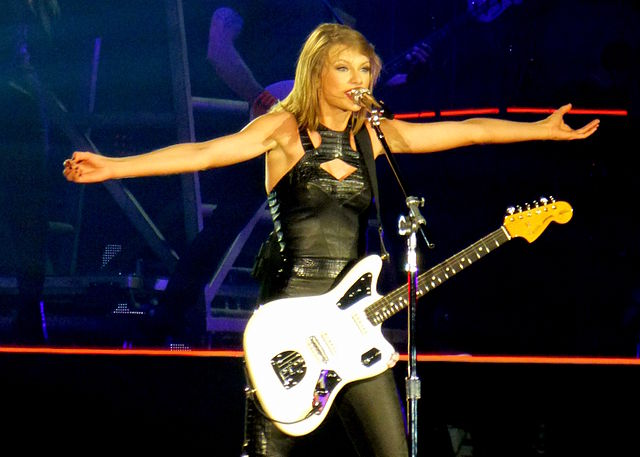 Don T Miss Taylor Swift S And Def Leppard S Great Duet Performance Classicrockhistory Com