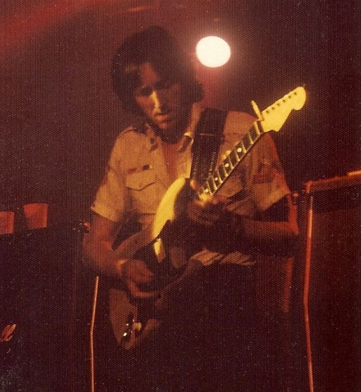 Legendary Guitarist Alan Holdsworth Passes Away At The Age Of 70