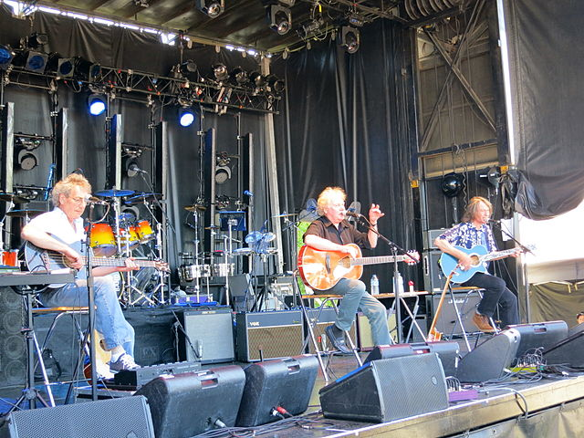 10 Essential Songs From The Strawbs