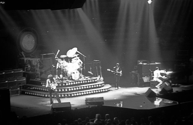What It Was Like To Experience a 1970's QUEEN Concert
