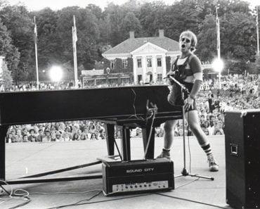10 Best Non-Album Track Elton John B Sides