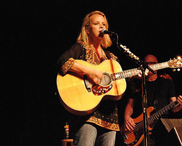 Top 10 Mary Chapin Carpenter Songs