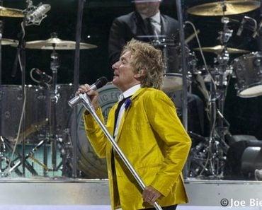 Top 10 Rod Stewart 80s Songs